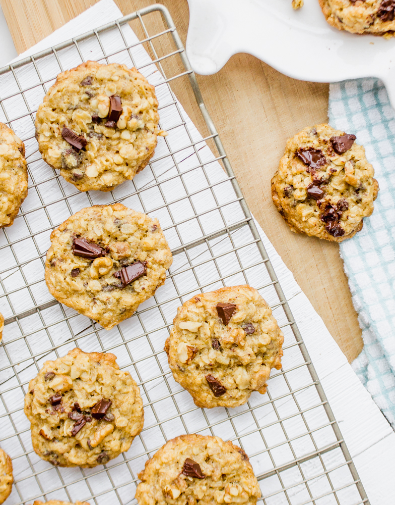 Chewy Oatmeal Chocolate Chip Cookies Recipe