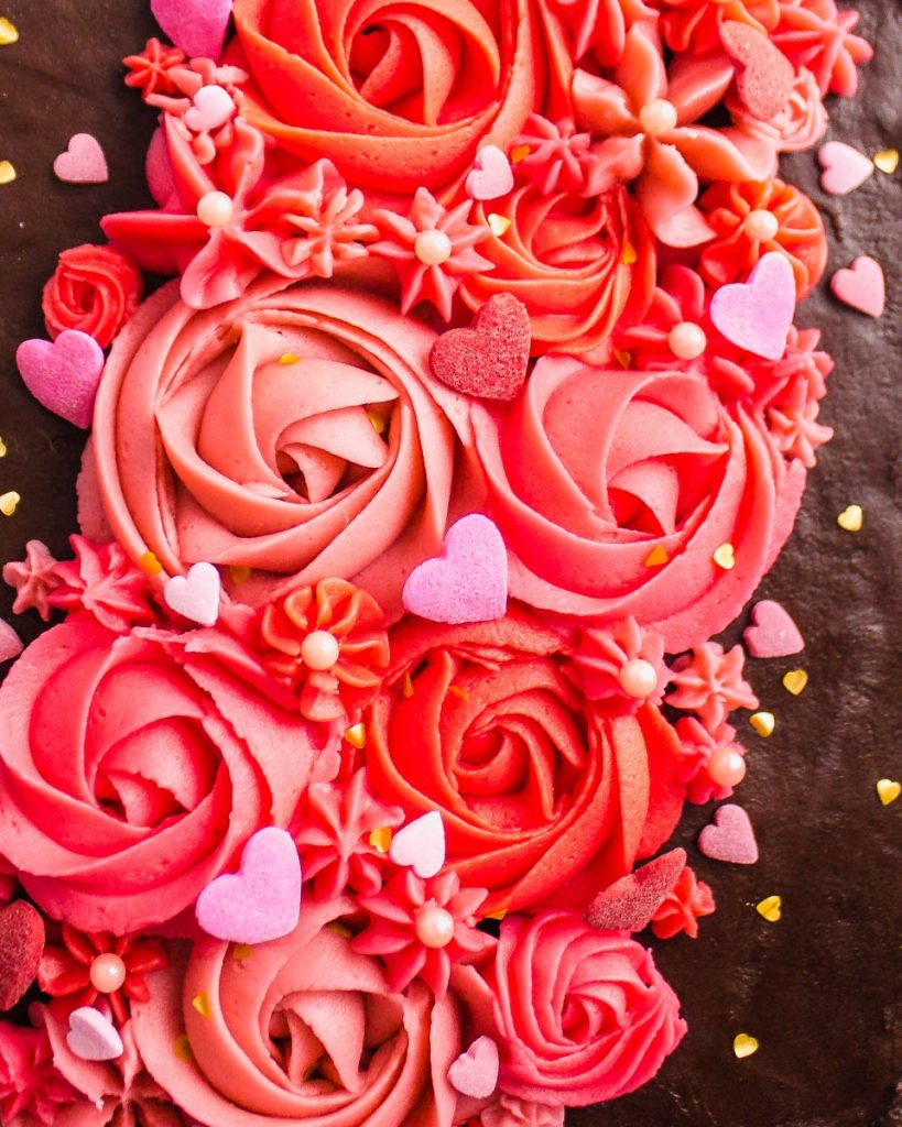 Valentine's Day Chocolate Cake Buttercream Flowers