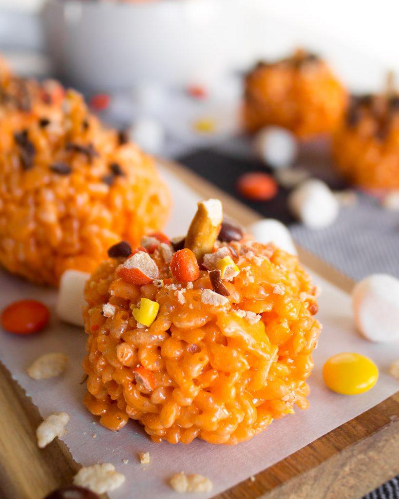 Halloween Rice Krispie Pumpkin Treats